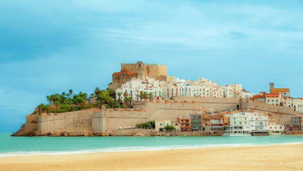 Peñiscola-playa-y-castillo